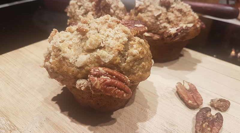 Great recipe of 12 muffins banana pecans